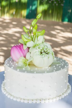 beautiful of wedding cake on wedding day.