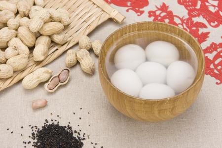gules: Lantern Festival food, glutinous rice balls