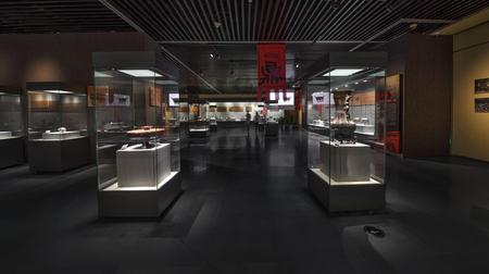 the exhibition hall: Bronze exhibition hall Editorial