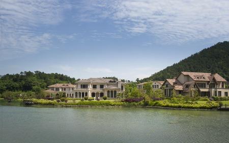 lakeside: Lakeside Villa