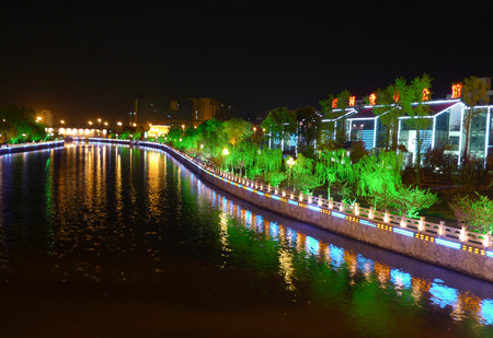 conservacion del agua: Night view of the canal Editorial