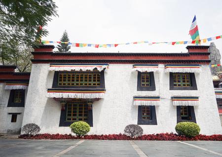 tibetan house: Tibetan folk house