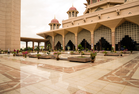 national mosque putrajaya