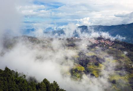 Cloud bergdorp Stockfoto