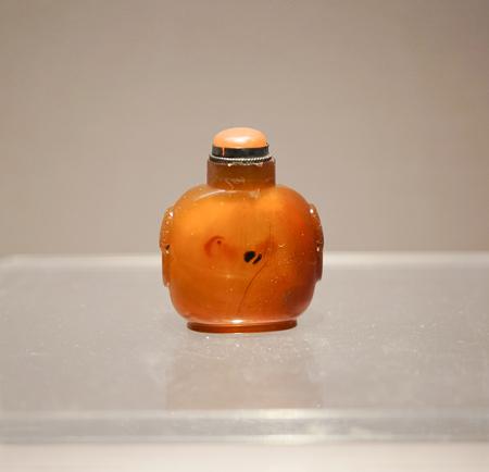 Jewel snuff bottle