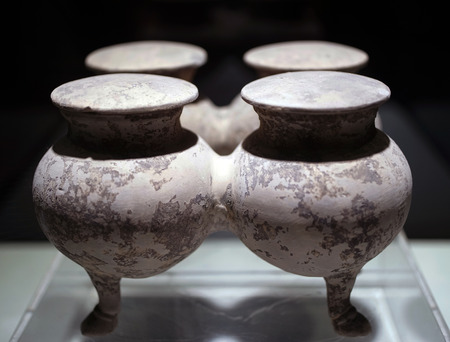 Ancient pottery 報道画像