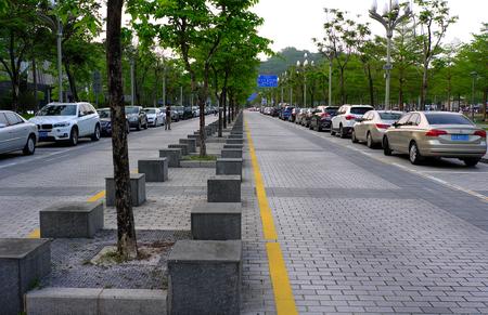 Parking lot 에디토리얼