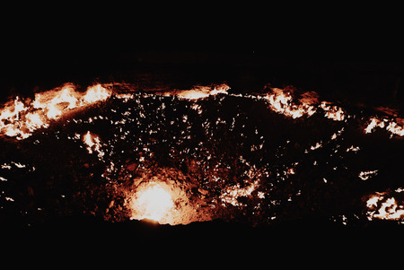 Turkeminstan Derzawa Gas Crater in the Desert Stock fotó - 85404023
