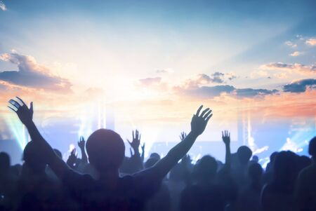 Concept d'église : adoration et louange