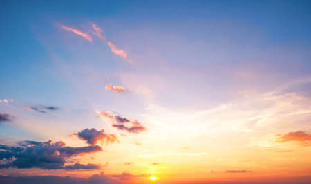 Background of colorful sky concept: Dramatic sunset with twilight color sky and clouds 스톡 콘텐츠