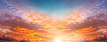 dramatic twilight sky and cloud sunset background 版權商用圖片