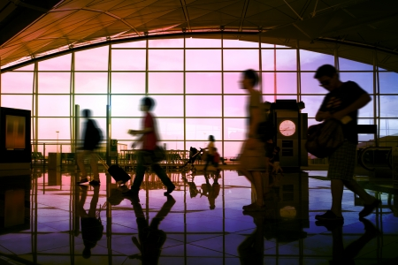 Hong Kong Flughafen, Reisende Walking