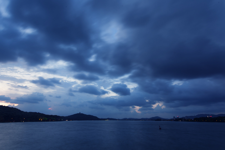 dark skies: In the evening, the sky clouds