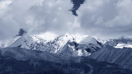 tibet: Snow Mountains in Tibet