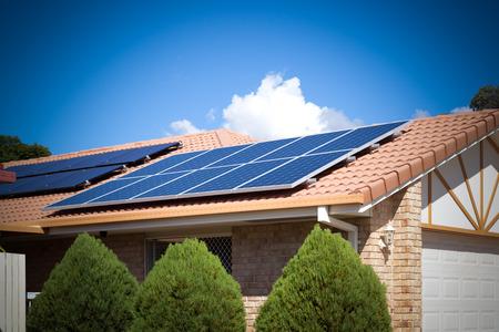 Zonnepanelen op het dak, Australië Redactioneel