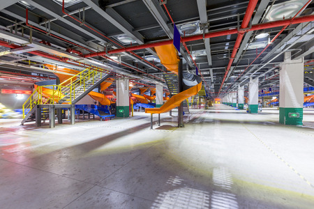 emergency stair: Stairs and conveyors for large factory workshops Editorial