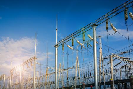 Struttura della stazione del trasformatore di potenza elettrica Archivio Fotografico - 104429001