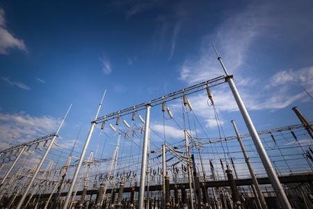 Struttura della stazione del trasformatore di potenza elettrica Archivio Fotografico - 104429068