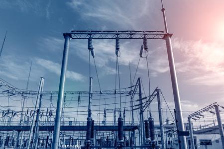 Struttura della stazione del trasformatore di potenza elettrica Archivio Fotografico - 104429199