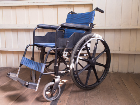 pacientes: Los pacientes en silla de ruedas