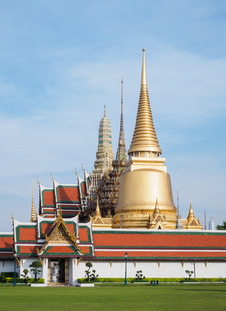 venerate: Landscape Temple of the Emerald Buddha (Wat Phra Kaew)