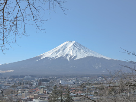 eradicate: Mount Fuji with snow-covered, Yamanashi, Japan