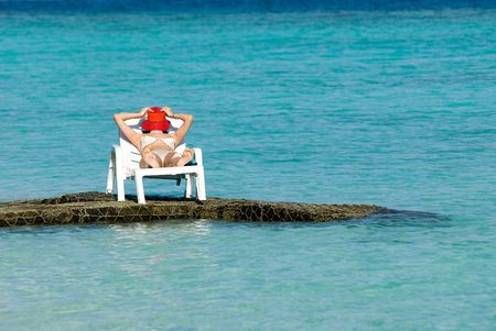 relent: sleep at maldive