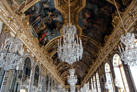 arredamento classico: VERSAILLES, FRANCE - August 7, 2014: Interior of Chateau de Versailles Palace of Versailles near Paris on April 18, 2015, France. Versailles palace is in UNESCO World Heritage Site list since 1979.