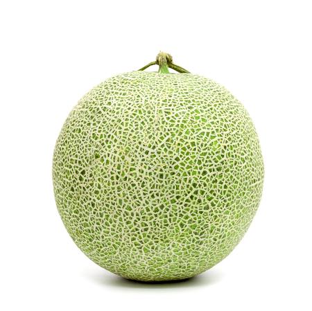 groene kantaloepmeloen die op witte achtergrond wordt geïsoleerd Stockfoto