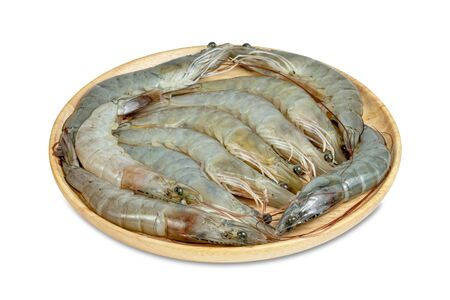 shrimp raw with wooden plate isolated on white background Banque d'images