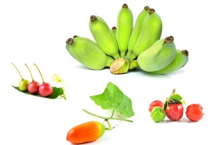 charnu: Fruit charnu sur fond blanc