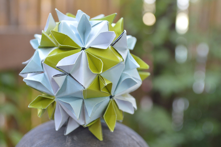 Modular origami, cherry blossom, on natural background 版權商用圖片