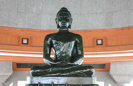 Buddha made of Jade in Thailand  Editöryel