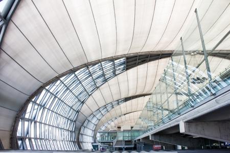 BANGKOK,THAILAND - AUGUST 24  Futuristic interior of Suvarnabhumi airport on August 24, 2012 in Bangkok, Thailand   Stock Photo - 21106613