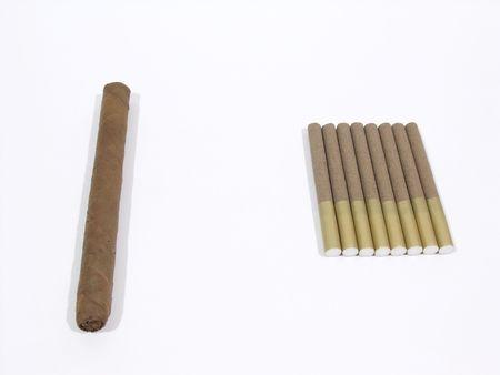Cigar versus cigarillos 스톡 콘텐츠