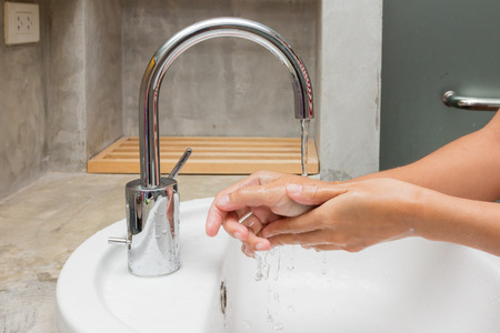 limpieza: Higiene. Manos de limpieza. Lavarse las manos.