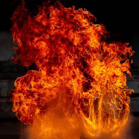 Cose up blaze ogień płomień tekstura tło. Zdjęcie Seryjne