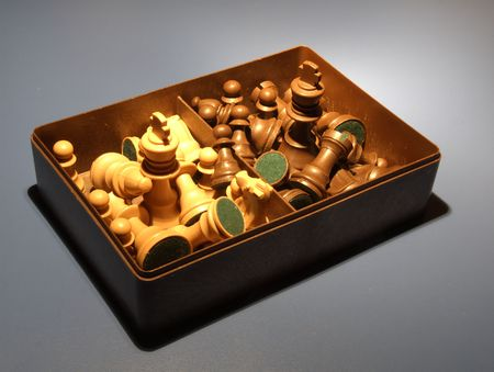 Chess - Box full of pieces 1