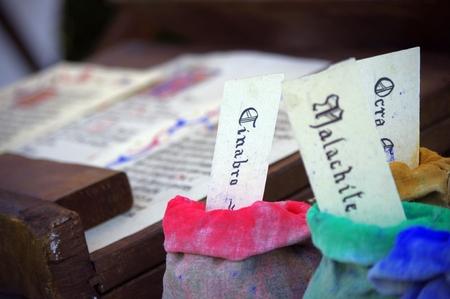 scribes: Borse di colori per amanuense e scribi