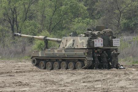k9: South Korean army K9 self propelled artillery vehicle exercise near DMZ