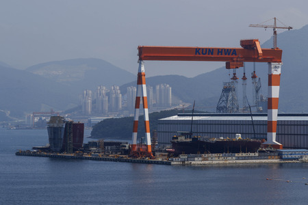 shipbuilding: Ship block under construction at Kun Hwa Shipbuilding Engineering in Geoje, South Korea. South Korea¡¯s government is at the forefront of efforts to revive the shipbuilders, which employ almost 62,000 people, or 1.4 percent of the nation¡¯s manufactur