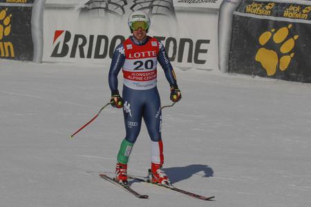 deportes olimpicos: Llenar Pedro de acción ITA durante una carrera de final de Audi FIS del mundo de esquí de los hombres de la Copa de descenso, también un evento de prueba para los Juegos Olímpicos de Invierno de 2018 en Pyeongchang, en el centro alpino en Jeongseon Jeongseon, Corea del Sur.