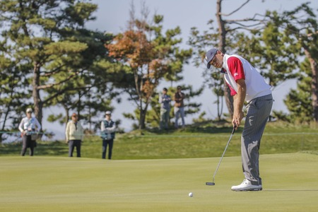 United States Team Player Bill Haas action on the 2th hall during the PGA Presidents Cup 4Ball Match at the Jack Nicklaus GC in Incheon, South Korea.