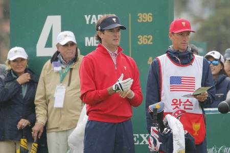 pga: United States Team Player Bubba Watson action on the 4th tee during the PGA Tour President Cup Single Match at Jack Nicklaus GC in Incheon, South Korea. Editorial