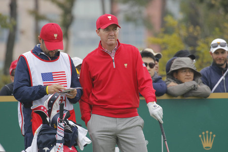 pga: United States Team Player Jimmy Walker action on the 4th green during the PGA Tour President Cup Single Match at Jack Nicklaus GC in Incheon, South Korea.