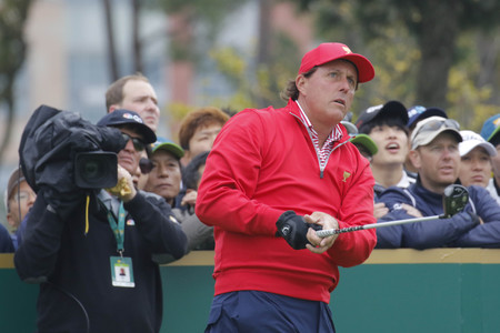 pga: United States Team Player Phil Mickelson action on the 4th tee during the PGA Tour President Cup Single Match at Jack Nicklaus GC in Incheon, South Korea.