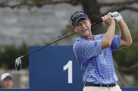 pga: Tom Watson of USA, 1th hall tees off during the PGA Tour Songdo IBD championship first round at Jack Nicklaus golf club in Incheon, west of Seoul, on Sep 16, 2011, South Korea.