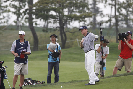 pga: David Peoples of USA, plays 18th hall approach during the PGA Tour Songdo IBD championship second round at Jack Nicklaus golf club in Incheon, west of Seoul, on Sep 17, 2011, South Korea. Editorial