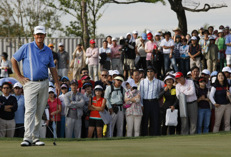 pga: Jay Don Blake of USA, plays 18th hall during the PGA Tour Songdo IBD championship final round at Jack Nicklaus golf club in Incheon on Sep 18, 2011.