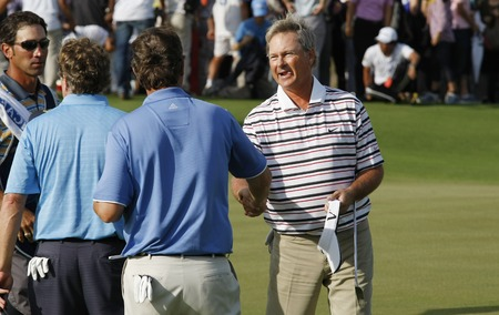 pga: John Cook of USA (R) and Jay Don Blake of USA, shake hand after 18th hall play finish during the PGA Tour Songdo IBD championship final round at Jack Nicklaus golf club in Incheon on Sep 18, 2011.